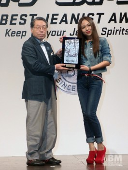 一般新人部門のグランプリに輝いた志摩 マキさん