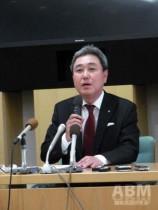 会見に臨む島三博・次期社長