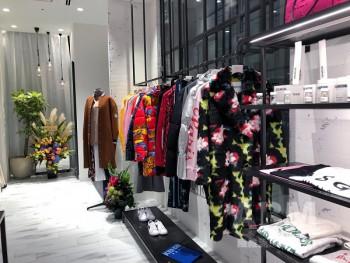 「ラブレス サニーサイドフロア」 (グランフロント大阪店)。辛口で強いイメージのMDは既存店を踏襲している