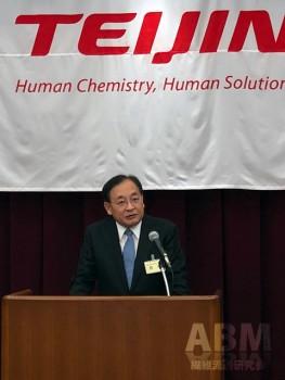 会の冒頭、あいさつに臨む 鈴木純 代表取締役社長執行役員CEO