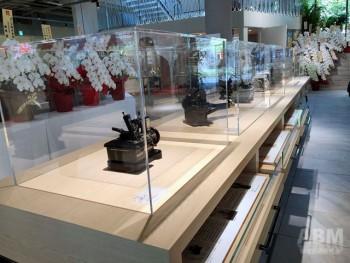 1階フロアに展示されている歴代の代表的なミシン