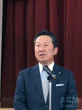 決算会見に臨む 廣地厚代表取締役社長