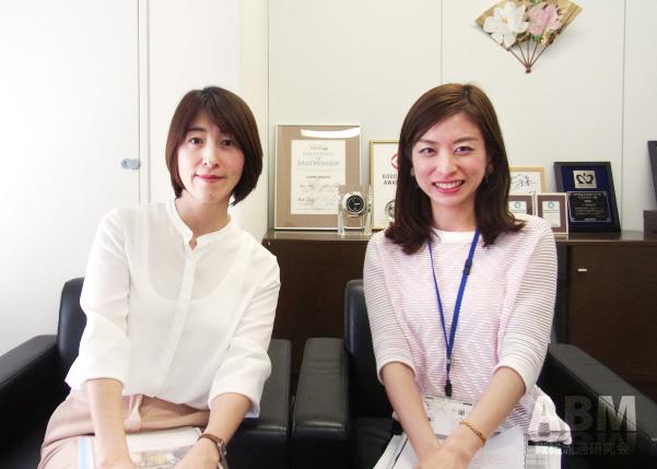 「キレイラボ」の開発に携わったグンゼ、 レディスMD部の倉田承江さん(左)と牧陽子さん