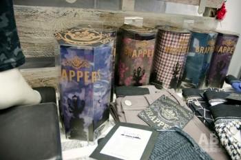 ブラッパーズ ヴィヴァーチェは コンパクトな筒型のパッケージに入れて販売する。