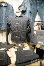 リネン混のジャケット&パンツ コットンオンリーにはない、 独特な素材感や毛羽立ち感にこだわりがある