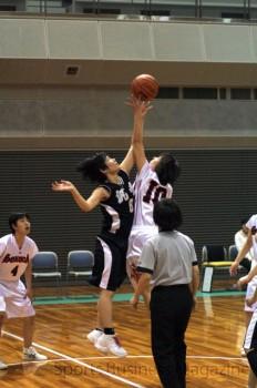 3月18−19日(大阪・舞洲アリーナ)の大会の様子。 約400人がバスケットボールの試合に参加した
