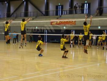 選手に交じり練習を体験