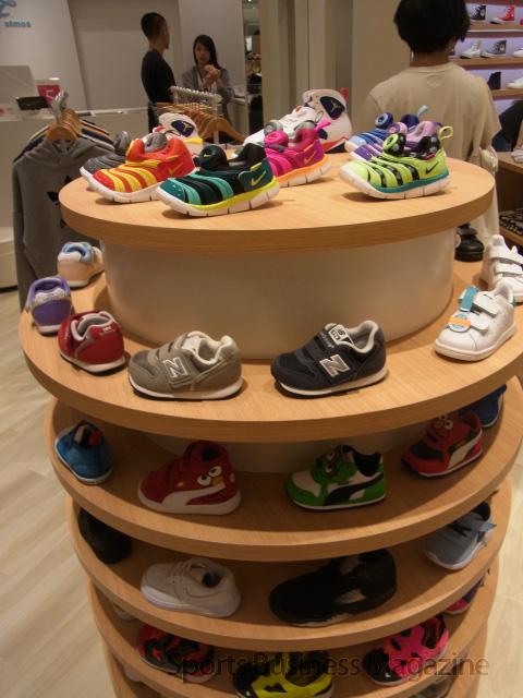 子供靴も品揃えしている