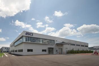アシックスアパレル工業の新工場(外観)