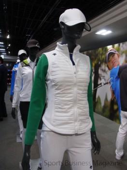 デザイン性、ファッション性も重視。 「デサントゴルフ」