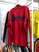 「エレッセ」。 大きなロゴ、シルエットが特徴の「ヘリテージ」