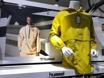 スポーツ愛好家のオフ着に位置付ける 「ヒュンメル プレー」
