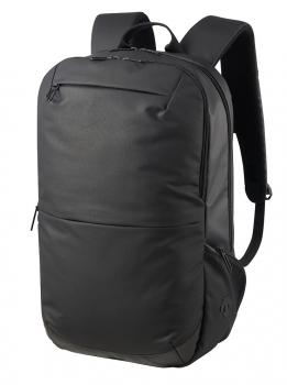 「マクアケ」で募集する 「デサント」ブランドのビジネス用バックパック